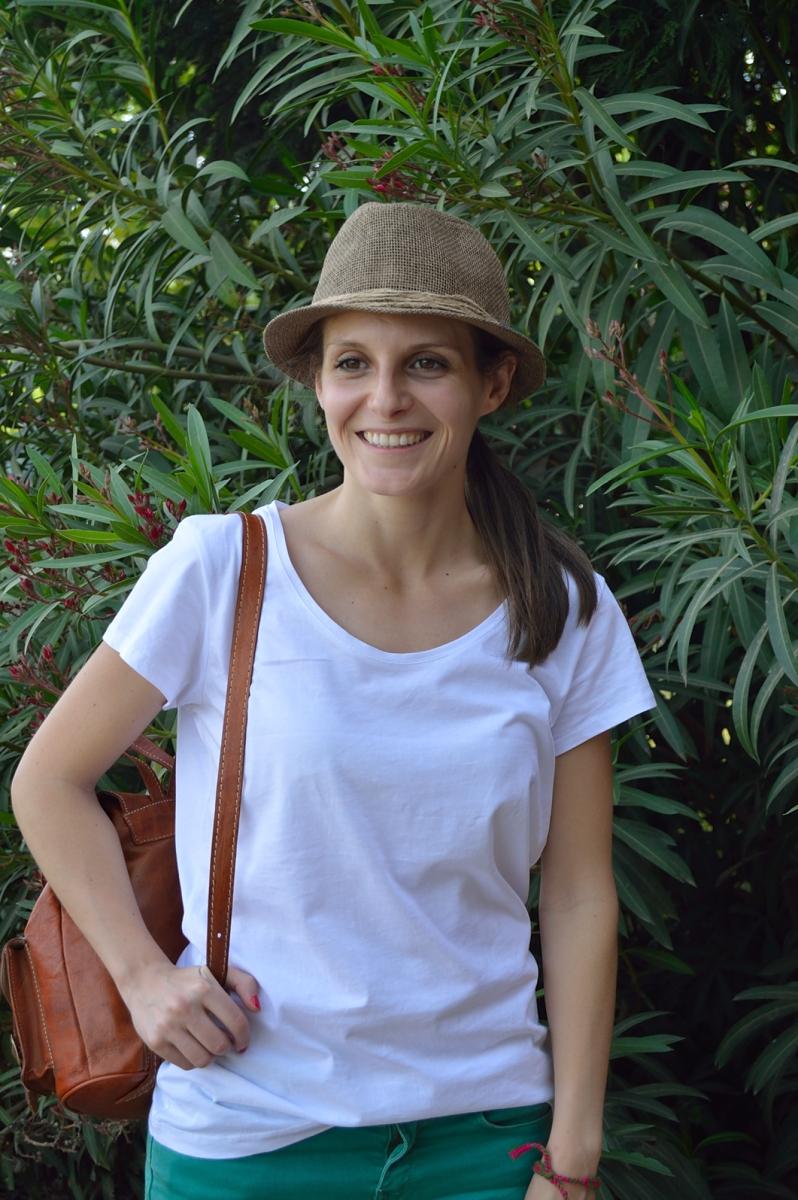 lara-vazquez-madlula-blog-fashion-look-hat-white-green