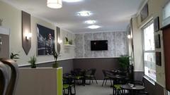 Local comercial situado en pleno centro totalmente reformado, equipado y listo para funcionar. En su inmobiliaria Asegil en Benidorm le ayudaremos sin compromiso. www.inmobiliariabenidorm.com
