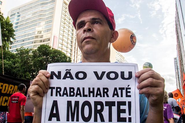 Reforma da previdência de Temer, segundo pesquisadora, pode levar a brutal empobrecimento da população - Créditos: Pablo Vergara
