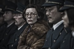 Tilda-Swinton-in-Snowpiercer-2013-Movie-Image Nouveau Trailer et photos pour Snowpiercer9273306347 7b1ee14719 msnowpiercer