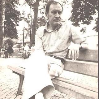 """22Ağustos 1985...   Ferhan Şensoy söylüyordu... """"Ağustos yirmi iki, dediler - ustan ölmüş. Çok komiksin Azrail, Turgut Uyar ölür mü?"""""""
