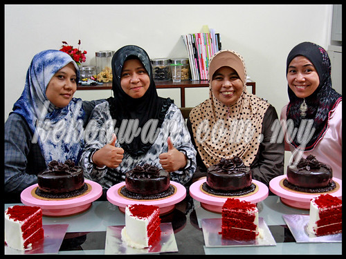Baking & Deco Class: Moist Choc Cake with Choc Roses & Red Velvet Cake ~ 19 October 2012