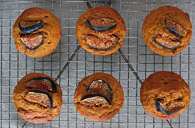 Spelt pumpkin muffins with  figs