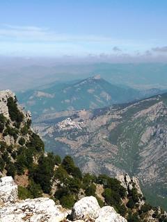 Yelmo Nordsicht vom Gipfel auf das Castillo de Segura