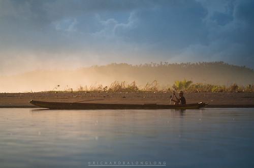 travel sea man water rain sunrise river boat fishing fisherman paradise peace pentax philippines tranquility row rowing 70200 tranquil visayas haiyan yolanda sabang seaspray k7 borongan easternsamar