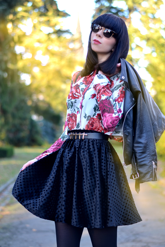 Baleeblu outfit floral blouse velvet skirt CATS & DOGS Berlin fashion blog 5