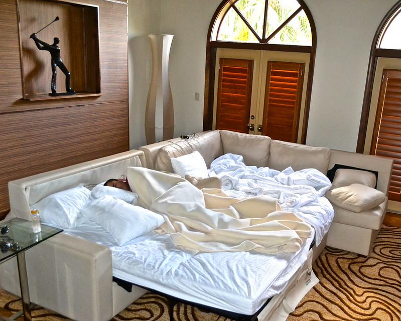 Cypress Gardens Villas and Golf Resort, Orlando Florida - sleep couch