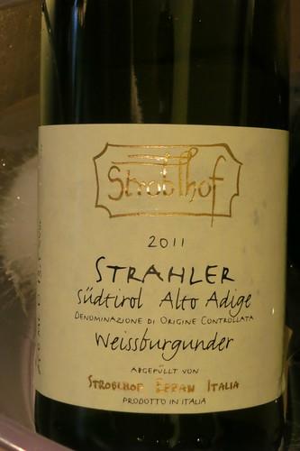 Stroblhof, Alto Adige Weissburgunder Strahler 2011