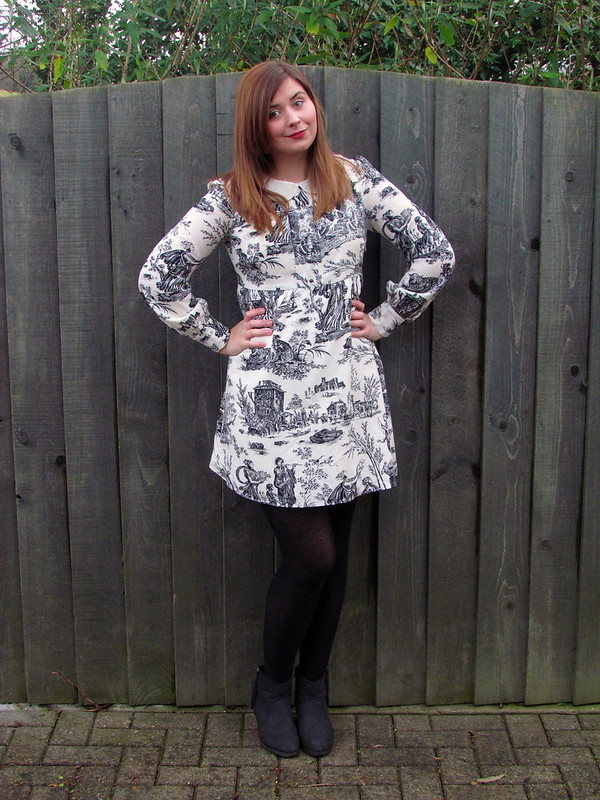 Fearne Cotton Very Patterned Monochrome Dress Pearl Collar