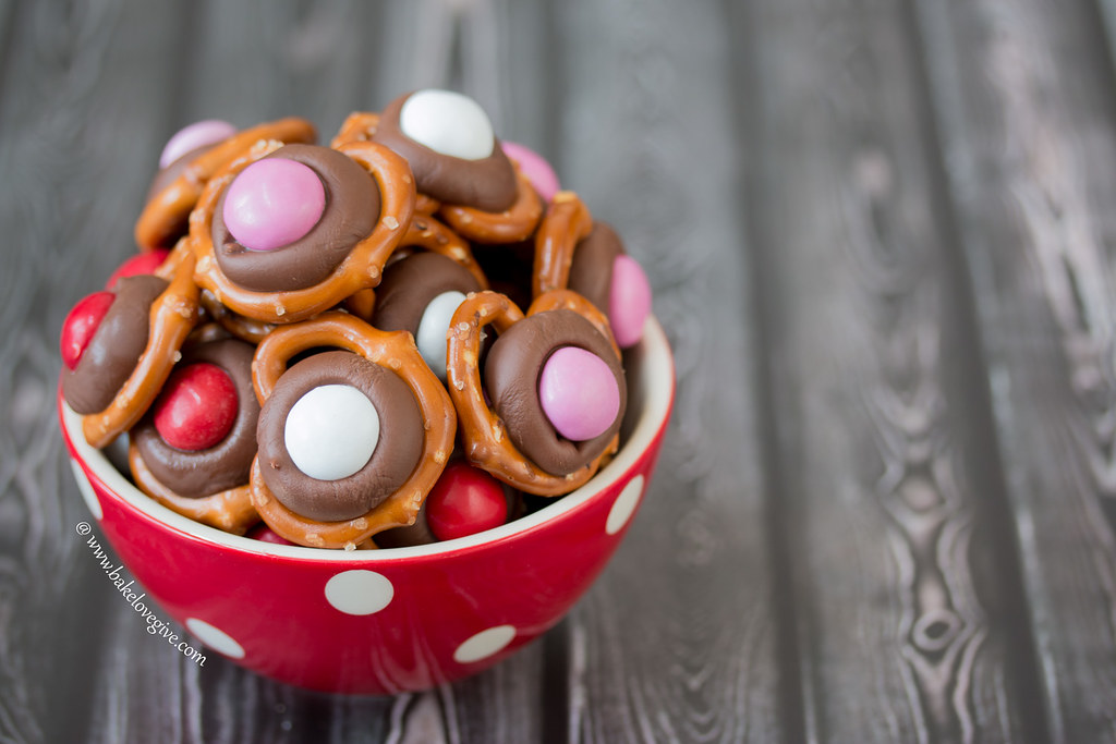 Valentine Peanut Butter M&Ms add a festive touch to the sweet and salty combination of milk chocolate Hershey's Kisses and buttery mini pretzels.