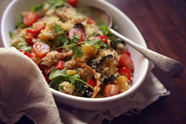 spicy sweet potato quinoa salad