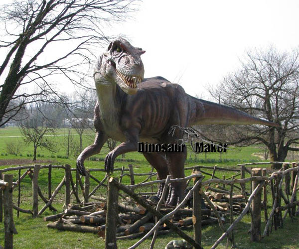 Dinosaur Replica with Roaring Sound and Movements