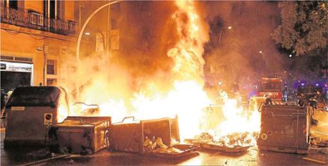 14e29 ABC Foto EFE Noche 28 mayo Crisis Can Vies Uti 465