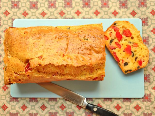 Plum Cake Salato: Ricetta Bimby con Peperoni e Olive