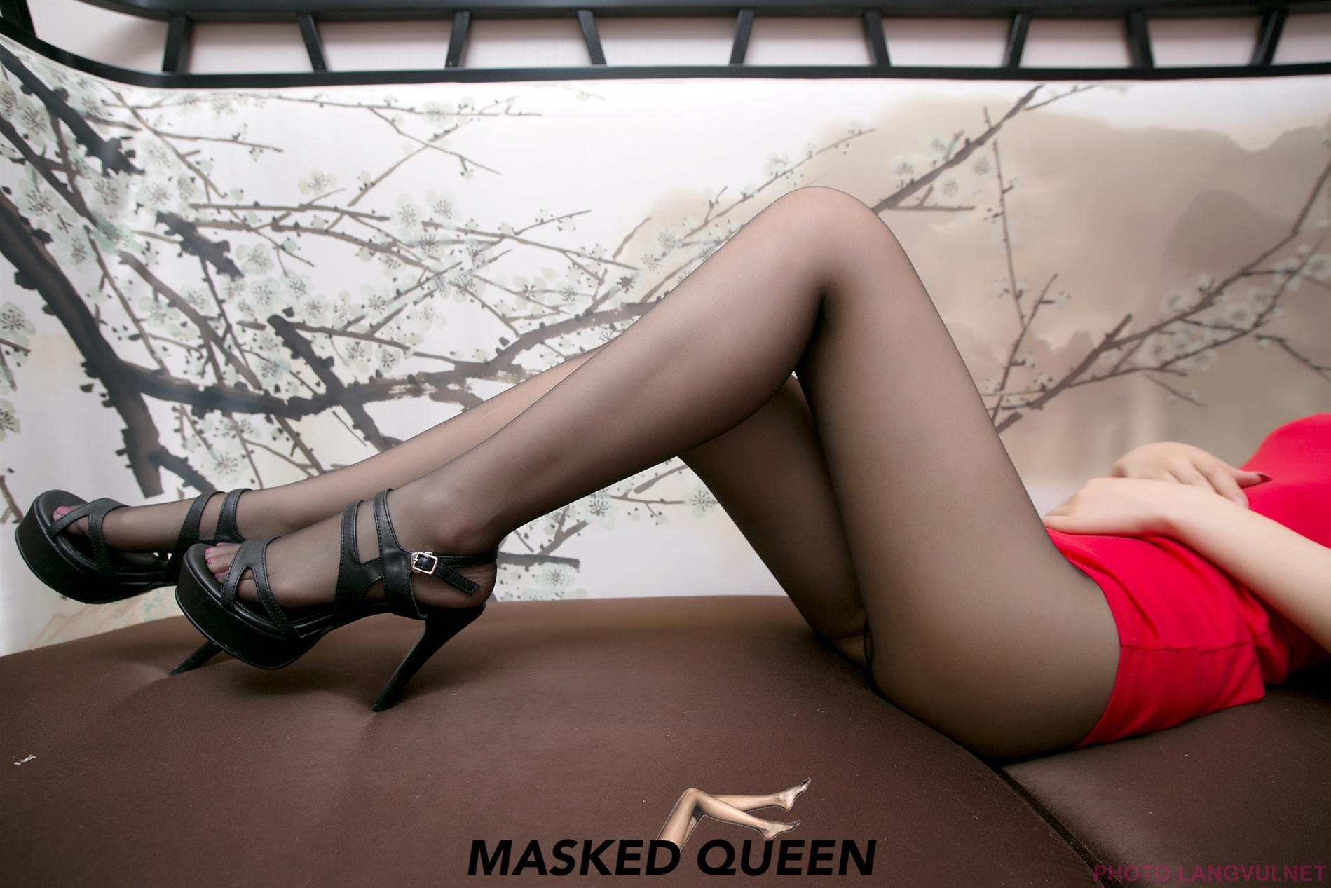 MASKED QUEEN No 019