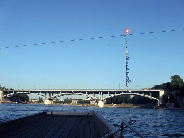 Ferry sur le Rhin