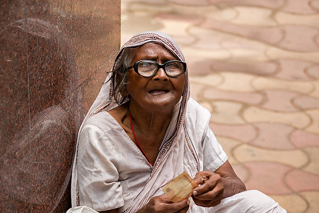 Portrait of an old woman in the streets of Kolkata, India.