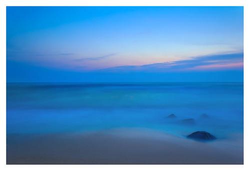 ocean seascape green landscape dawn coast ultimate slowshutter rockbeach bayofbengal longtimeexposure pondicherrybeach soumyasumitrabehera sousube prakirtichayaphotography pondicherryshore delightdawn smoothnsilky