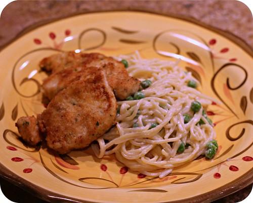 So Tasty So Yummy: Parmesan Chicken Alfredo with Peas