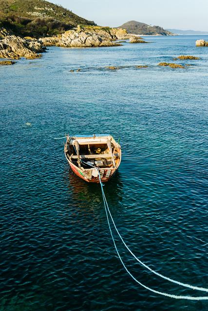 Barca amarrada