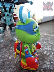 "Vinylmation ZOOPER HEROES :: 'ZIPPY THE ROCKET TURTLE' - DISNEY VINYL 3"" vi ((  2013 ))"