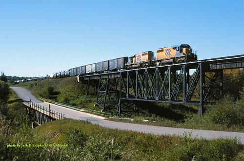 railroad trestle bridge train railway locomotive onr ontarionorthland emd monteith gmd sd402 sd40 emdsd402 ontarionorthlandrailway emdsd40 gmdsd40
