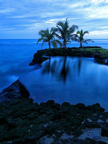 samoa infinity pool samoanna beach resort western dusk sunset blue hour clouds ocean pacific island swimming rocks