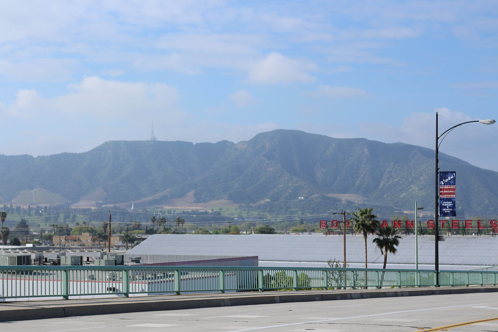 Studio City Courtyard Hotel To Universal Studios