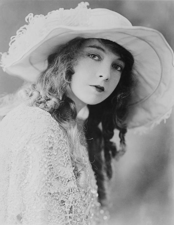 Lillian Diana Gish19