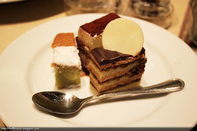 10 at Claymore - Desserts