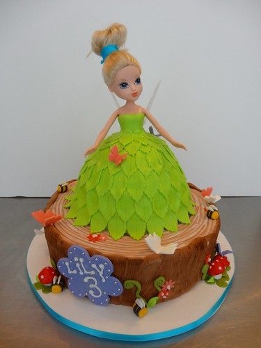 Tinker Bell Cake by CAKE Amsterdam - Cakes by ZOBOT