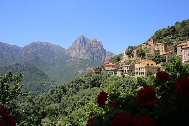 Домишки в горах