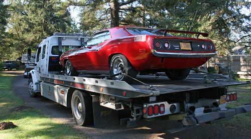 AAR Plymouth Cuda in tow