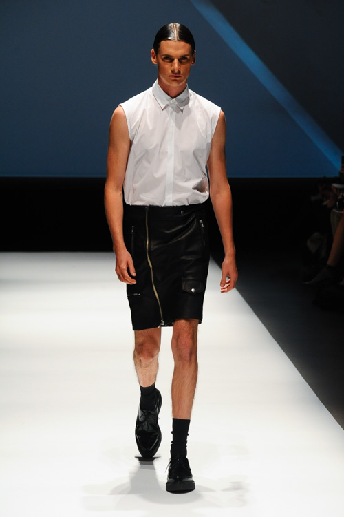 SS14 Tokyo DRESSEDUNDRESSED001_Angus Low(Fashion Press)