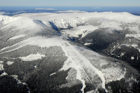 Ve Špindlu budou na sjezdovkách hlídat lyžařští četníci