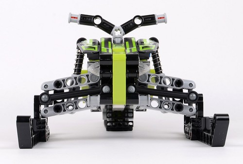 42021 Snowmobile