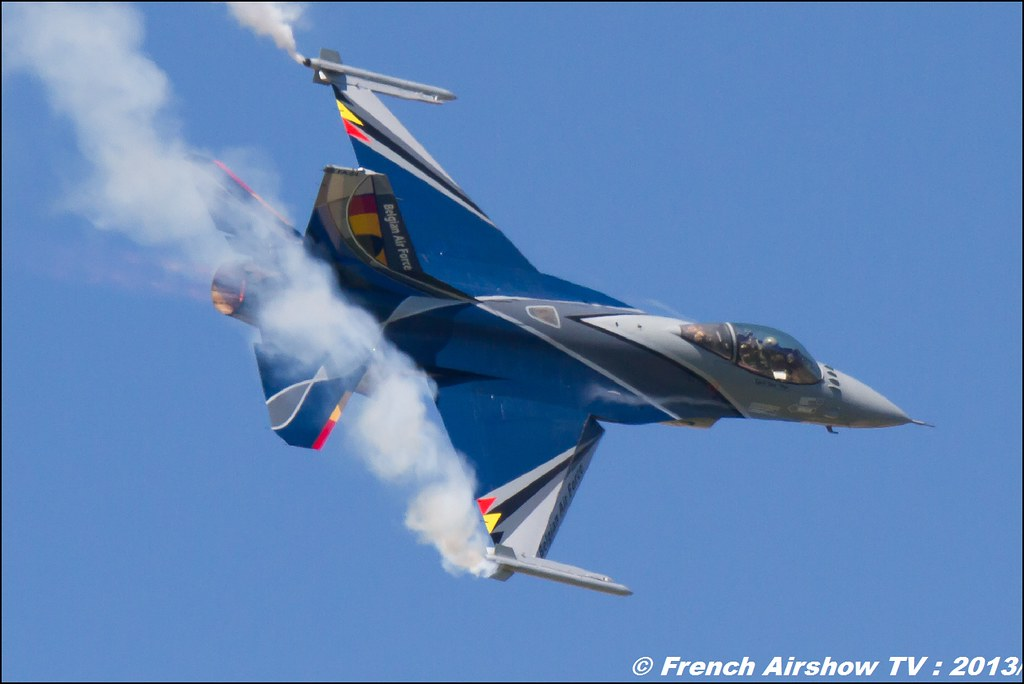 F-16 Solo Display Belge ,60 ans Patrouille de France , Meeting Aerien 2013