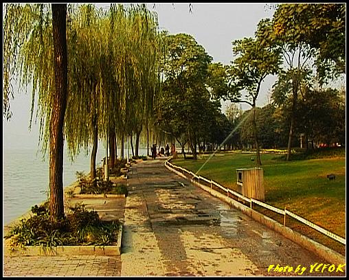 杭州 西湖 (其他景點) - 518 (西湖十景之 柳浪聞鶯 在這裡準備觀看 西湖十景的雷峰夕照 (雷峰塔日落景致)