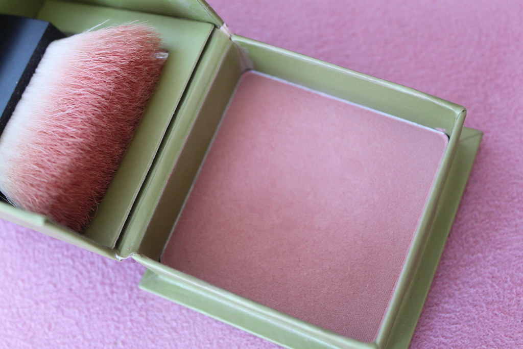 Benefit Dandelion blush australian beauty review blog ausbeautyreview blogger aussie cosmetics myer pink pretty makeup gorgeous green subtle honest swatch (2)