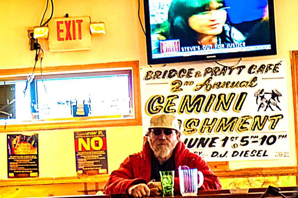 Bridge-and-Pratt-Cafe-on-5-23-14--Frankford-(detail)