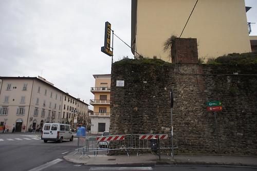 Pistoia città delle transenne