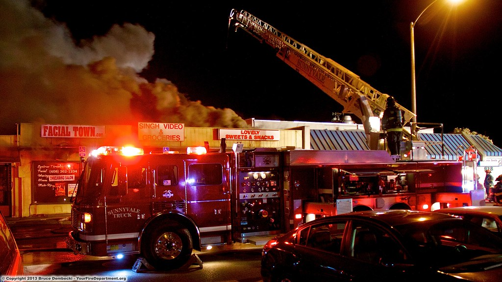 3 Alarm fire destroys Sunnyvale strip mall