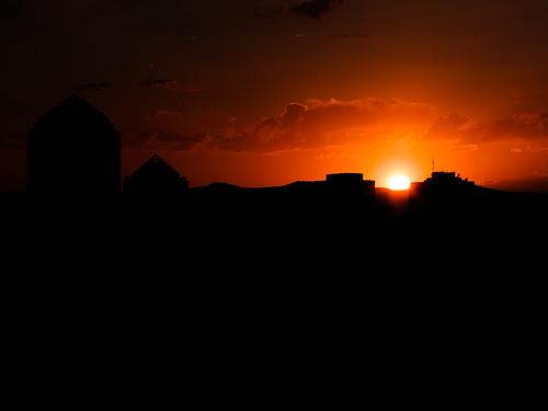 sunset sky urban orange sun newmexico silhouette buildings downtown albuquerque abq nm hotelparqcentral