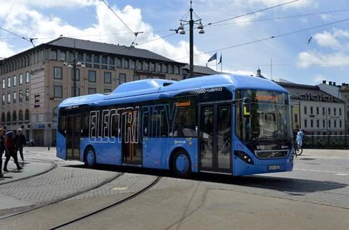 Volvo разработала бесшумный электробус для Швеции