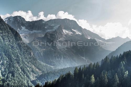 万年雪を頂く山並み
