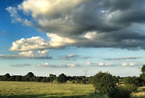 Sunset #sun #clouds #skylovers #sky #nature #beautifulinnature #naturalbeauty #photography #landscape Cloudporn #skyporn #beautiful #bestskysever NEM GoodKarma