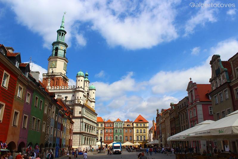 Poznań la ciudad polaca a orillas del río Varta