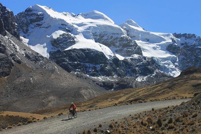 Descending from Huarapasca