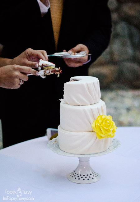 mini-pleated-fondant-wedding-cake