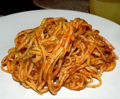 Pesto di Rucola con Pomodori